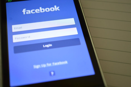 4 Scams That Target Facebook Users | Fidelity Bank & Trust